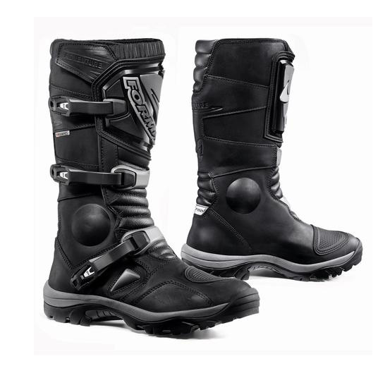 Forma Adventure Boots Black Image
